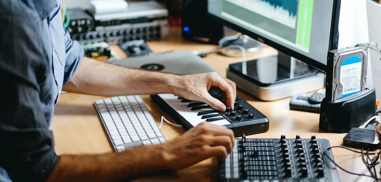 Vill du bli bokningsagent åt artister?